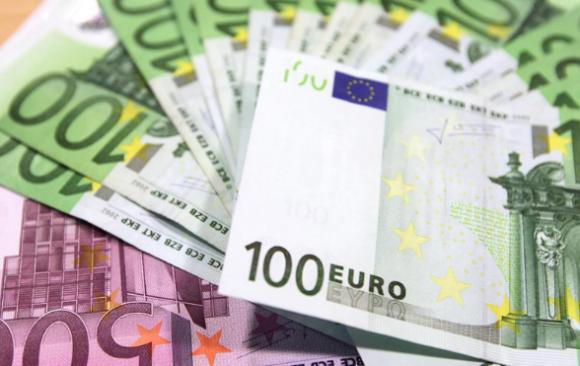 Minimalna plača v 2021 ter najpomembnejše o letnem dopustu in regresu